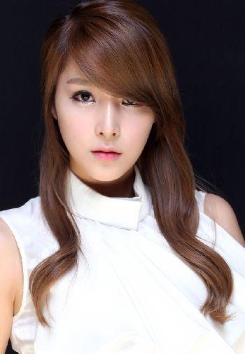 韩国美女苍井