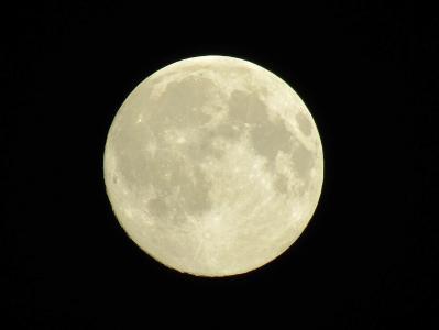 圆圆的月亮图片