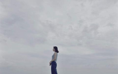 高圆圆翡诺岛海边写真桌面壁纸_高清桌面壁纸